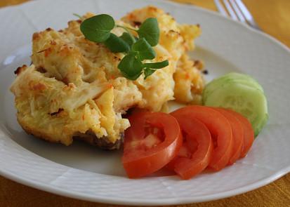 Kuřecí stehna zapečená v bramborové kaši