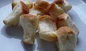 Kynuté těsto na záviny, šneky, bábovky a ovocné koláče (s verzí  bez vajec)