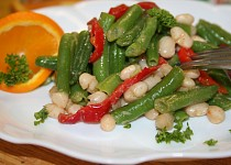Fazolkový salát s paprikou