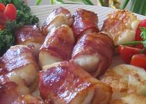 Grilované mušle svatého Jakuba ve slanině i bez....