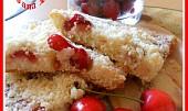 Koláč kynutý litý s ovocem