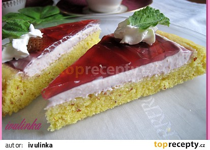 Mandlový koláč s jahodovým krémem a želé