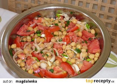 Salát z cizrny a hummus