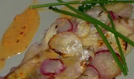 Mořská ryba  v ředkvičkovém, šupinovém  županu