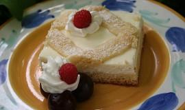 Mřížkový koláč s tvarohem a ovocem