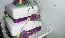Dvoupatrový dort