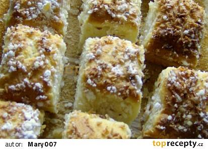 Hrníčkový kokosový koláč
