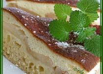 Hruškový koláč se zakysanou čepicí