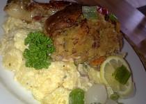 Kuře  plněné směsí z cukety, slaniny a barevné zeleniny