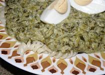 Nivový špenát s těstovinami a vajíčkem