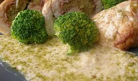 Kuřecí roládky s brokolicovou náplní