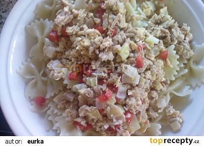 Těstoviny s tuňákem a zeleninou