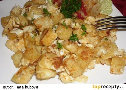 Knedlík s vajíčkem a taveným sýrem (dobrota)