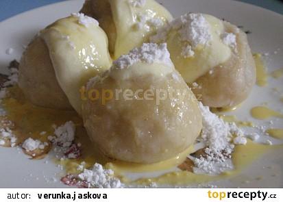 Kynuté knedlíky s ovocem