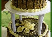 Patrový čokoládový dort s marcipánovými květy
