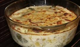Zapečené brambory a brokolice s čedarem