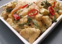 Zelené krůtí curry s cizrnou a mangoldem