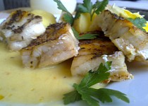Aljašská treska s citronovo-máslovou omáčkou