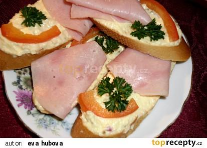 Bramborový potěrák, aneb co rychle na chlebíčky :D