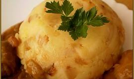 Celerovo-cibulkové brambory