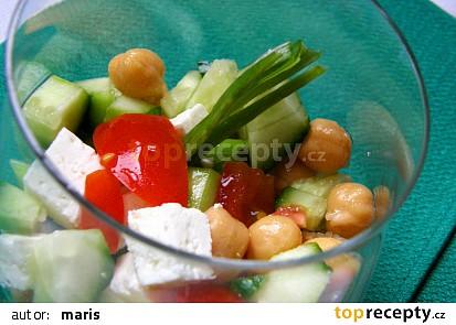 Cizrnový salát s fetou