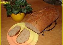 Domácí slunečnicovo-dýňový chleba