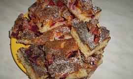 Ovocný koláč s drobenkou a mákem