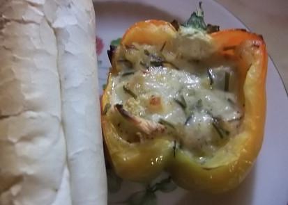 Plněná paprika sýrovou směsí