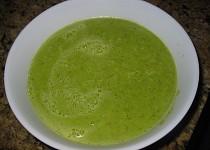 Hrášková polévka s pestem