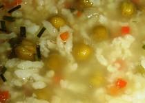 Polévka s rýží a hráškem