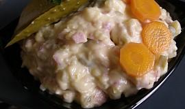 Salát ze zbylé bramborové kaše