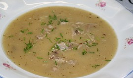 Zahuštěná kmínová polévka s vepřovým masem