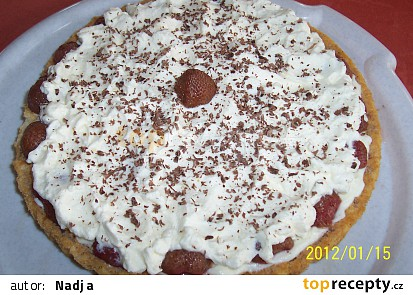 Dortík - jahody ve šlehačkové závěji