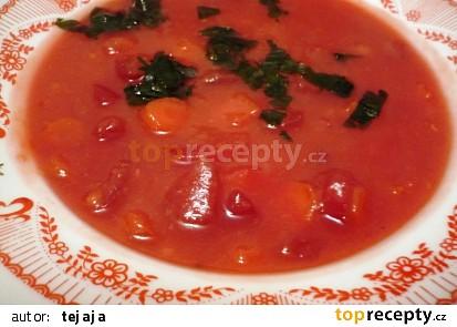 Dýňová polévka s červenou řepou