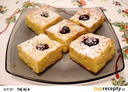 Dýňovo - ostružinový koláč