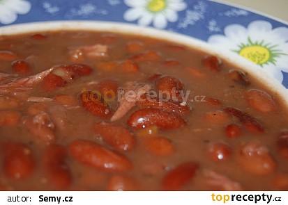 Fazolová polévka z uzeného žebra