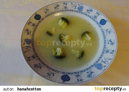 Kedlubnová polévka s brokolicí