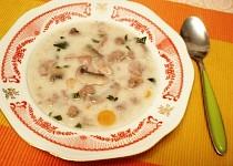 Masová polévka skoro maďarská