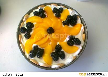 Nepečený piškotový dort s ovocem a zakysanou smetanou