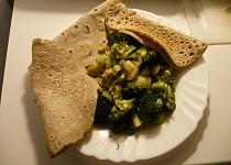 Pohankové palačinky s dušenou zeleninou