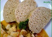 Přílohové knedlíky s grahamovou moukou a bez vajec