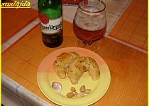Škvarkovo-česnekové rohlíčky