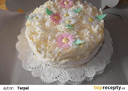 Svatební dort s květinami