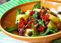 Bramborový salát s hovězím masem a rukolou