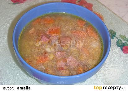 Hrstková polévka s uzenou krkovičkou