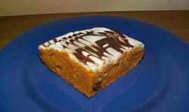 Mrkvový koláč se smetanovou polevou