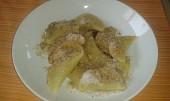 Povidlové taštičky sypané ořechovým cukrem