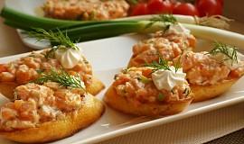 Tataráček z lososa a rajčat