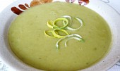 Bramborová polévka s pórkem a la pyré