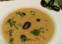 Fazolová polévka s kokosovým mlékem